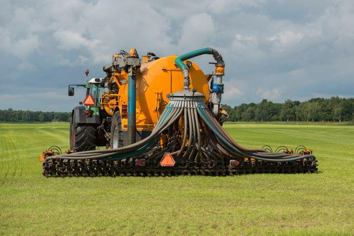 Ter illustratie: Nederland heeft veel meer mest dat het kwijt kan op het land.