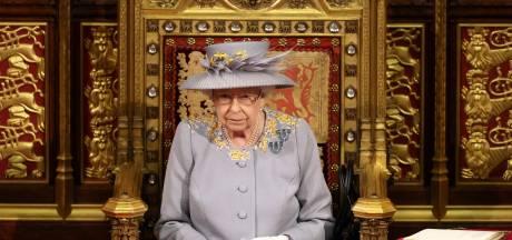 La reine Elizabeth fait sa première apparition officielle depuis les funérailles du prince Philip