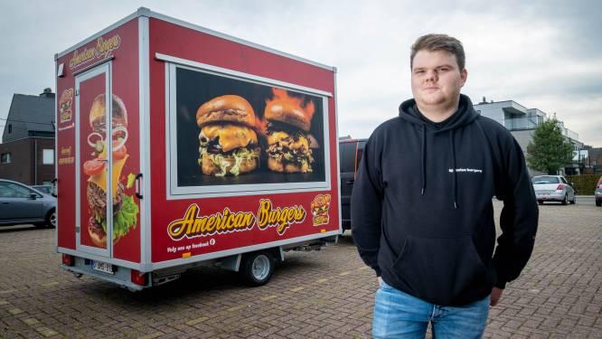 """Andy uit Beerzel bakt 'Bjeizelse Burgers' in nieuwe foodtruck: """"Zowel klassieke burgers al speciale varianten"""""""
