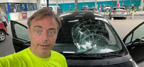 Auto van Bart De Wever zwaar beschadigd na carwashbezoek