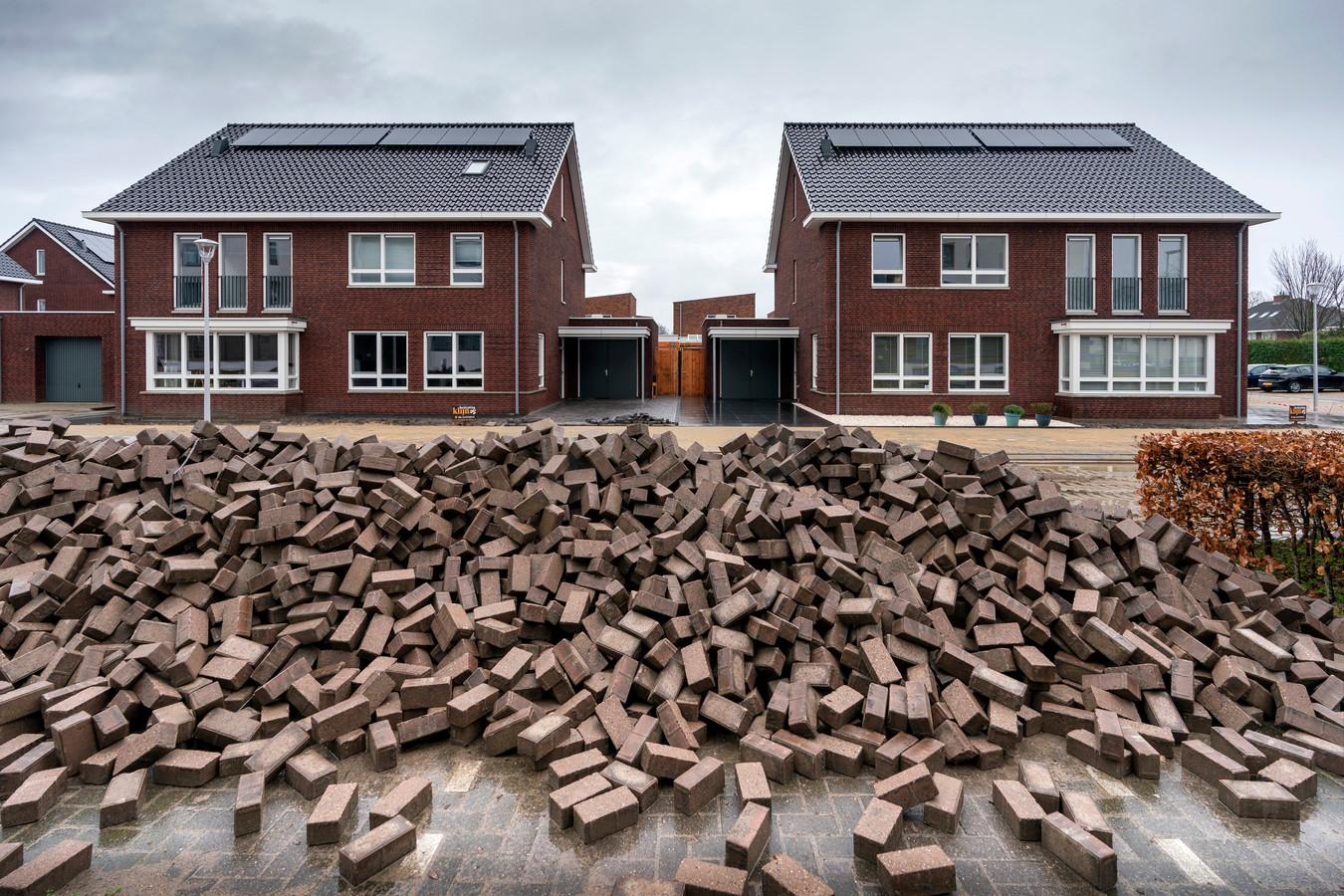 De woningbouwproductie moet flink worden opgeschroefd. Woningbouwers, projectontwikkelaars en andere woonpartijen hebben daar afspraken over gemaakt.