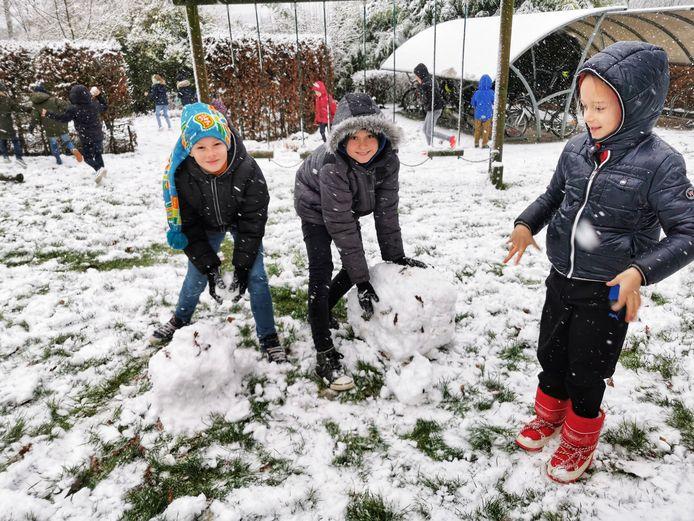 Dolle sneeuwpret in VBS Sint-Katrien.