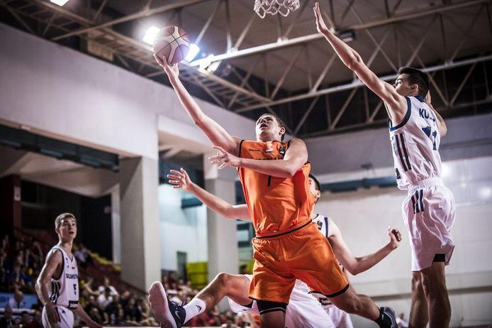 Morgan Stilma in actie voor Oranje U18 op het EK voor B-landen in 2018.