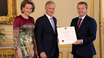 Klant is koning, maar koning is ook klant: Knokse meubelzaak Meubili voortaan officieel 'hofleverancier'