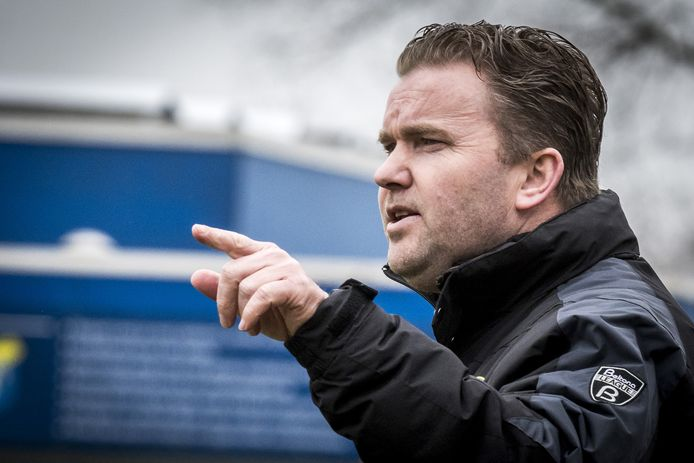 Gerard Kocks heeft zijn contract bij Juventa'12 met twee seizoenen verlengd.