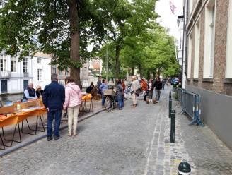 Opnieuw gezellige boekenmarkten langs de Reie in Brugge deze zomer