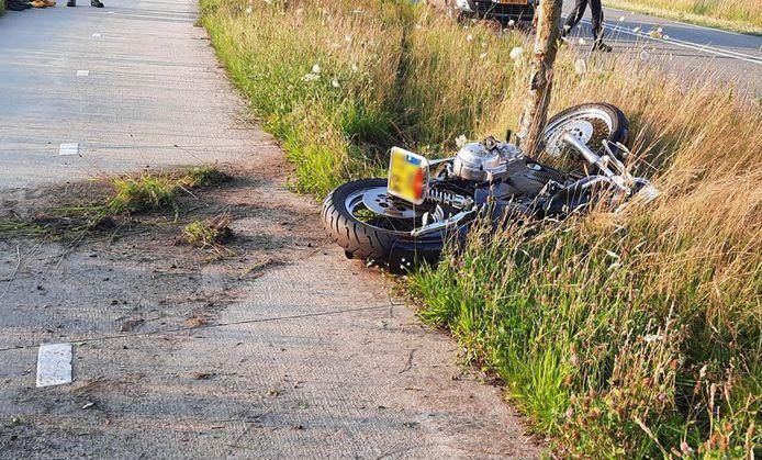 Aan de Dedemsweg in Dalfsen vond een ernstig motorongeluk plaats.