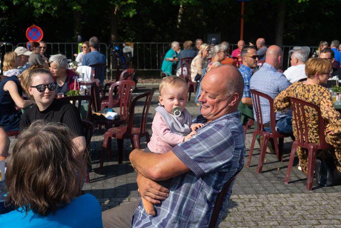 Aan De Garve werd een bar ingericht voor bezoekers van de Dag van de Solidariteit
