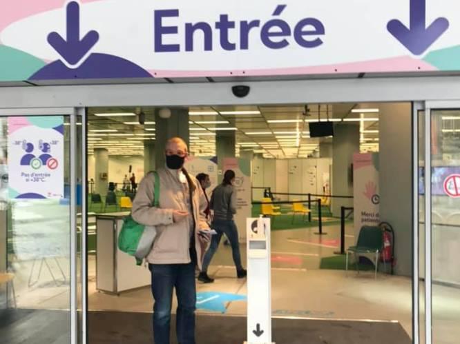 """Antwerpenaar wordt in Luik van straat geplukt, vijftien minuten later is hij gevaccineerd: """"Zo'n aanbod krijg je niet elke dag"""""""