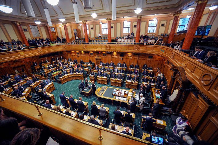 Het Nieuw-Zeelandse parlement betuigt respect aan de slachtoffers. Beeld AFP