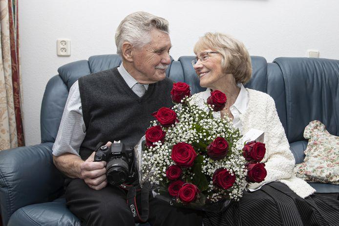 Het echtpaar Manfred-Hans en Leidy Wohlgemuth is 60 jaar getrouwd. Het stel is zeer bekend in Almelo.