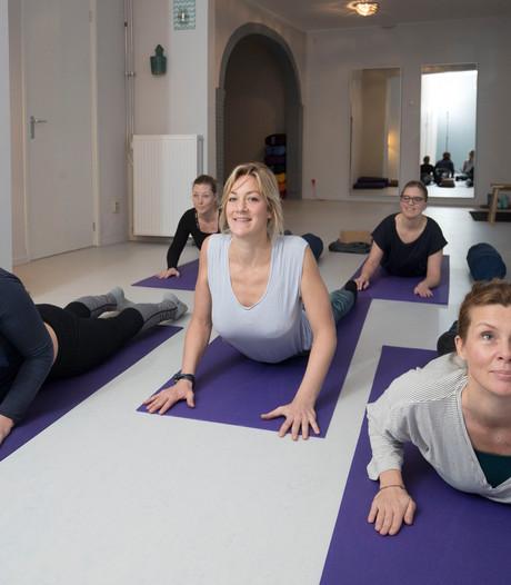 Moment van rust op yogamat