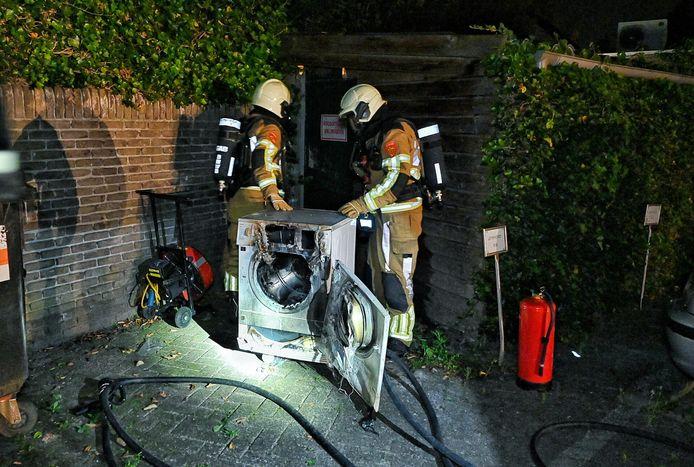De droger in de opslagruimte vloog in brand.