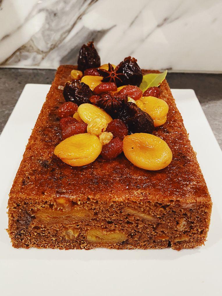 Sticky feestmaandcake. Beeld Yvette van Boven