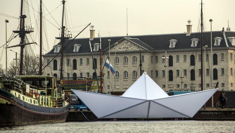 Origamiboot 'Intrepid' voor het Scheepsvaartmuseum. Beeld Cris Toala Olivares