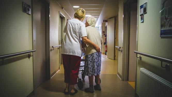 """Proefproject minder antidepressiva in rusthuizen gefnuikt door corona: """"Van halvering naar stijging want mensen voelden zich eenzaam"""""""