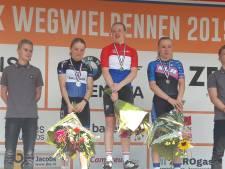 Nieuwelinge Nienke Veenhoven pakt eerste titel op NK in Dongen; Senne Knaven vijfde