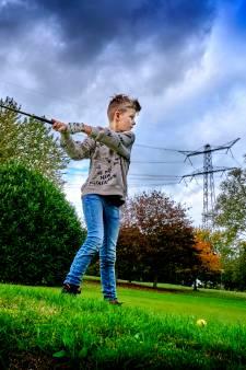 Dordtse jeugd ontdekt ideale coronahobby: 'Je kunt hier 200,5 meter afstand houden!'