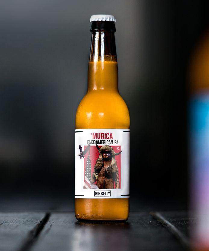 Amerikaanse capitool-bestormer prijkt op Bredaas biertje.