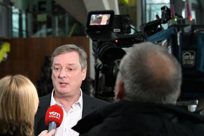 Kucams advocaat Frank Coel op de rechtbank in Antwerpen.