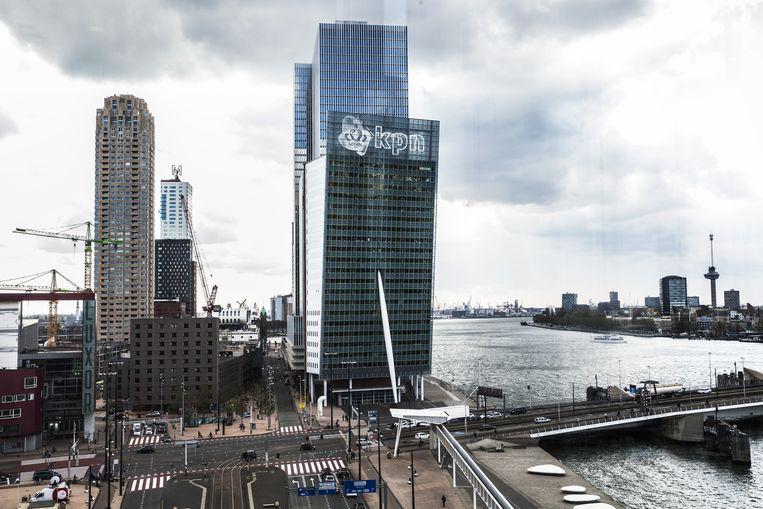 Het KPN-gebouw aan de voet van de Erasmusbrug in Rotterdam. Beeld Aurelie Geurts
