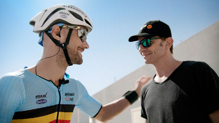 Koen Wauters volgde de afscheidnemende Tom Boonen in 'Tom Boonen: My Ride, My Fight, My Life' Beeld VTM