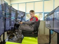Heftruck rijden? Dat leer je bij Staring College op simulator: 'Het is net een computergame'