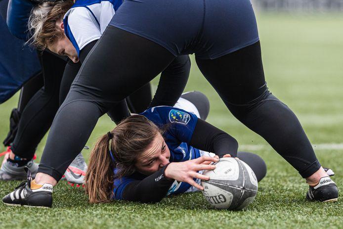 Liza de Wild uit Wemeldinge, rugbyster in Oranje