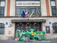 Studenten blokkeren scholen Parijs na mishandeling door agenten