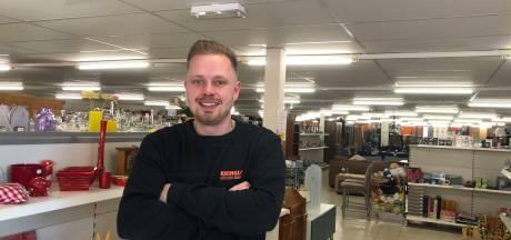 Eerste waarschuwing voor kringloopeigenaar Melvin Drenthen: om 13.00 uur moet de deur weer dicht