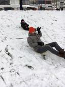 Wat heeft de familie Van Vessem uit Veghel genoten van de sneeuw!