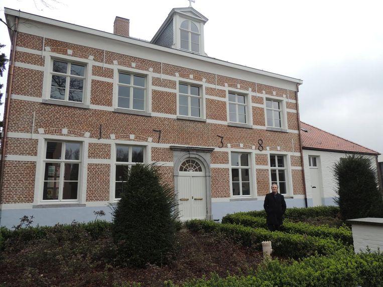 De Gemeentelijke Academie neemt haar intrek in de oude pastorie in de Dorpsstraat.
