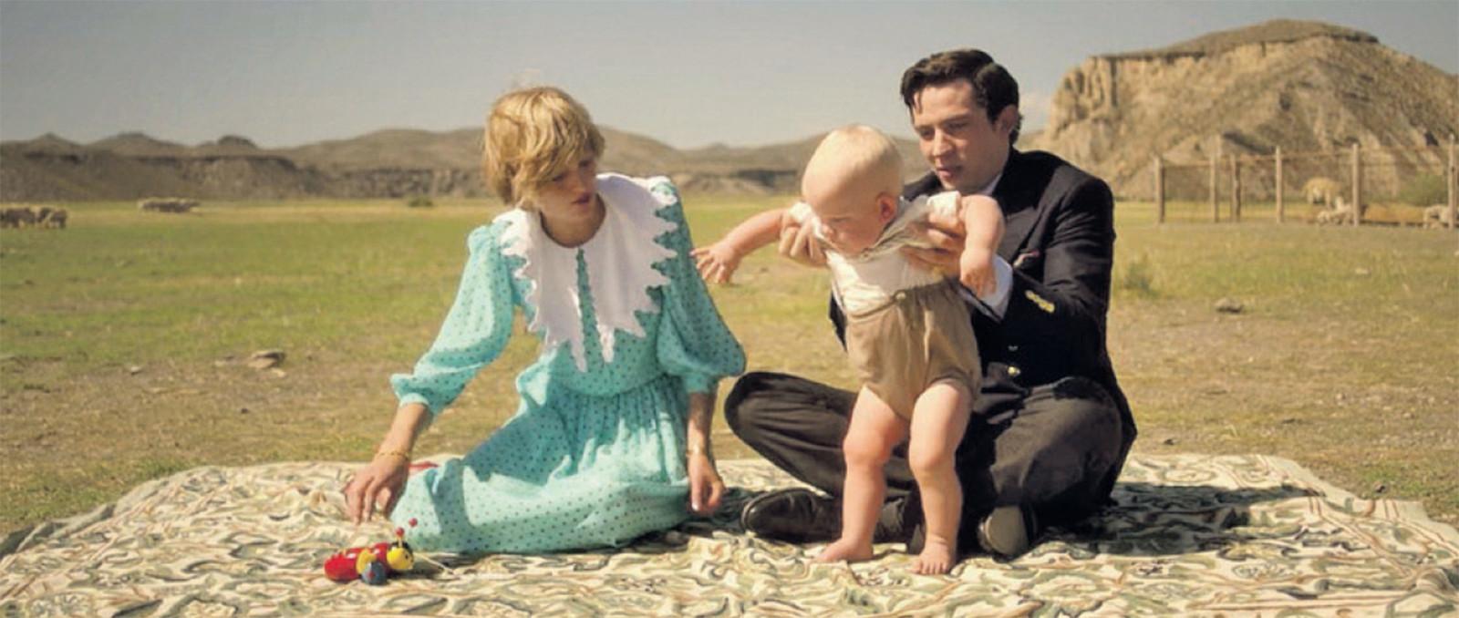 Charles en Diana in het echt (foto onder) en in de Netflix-reeks (boven), gespeeld door Josh O'Connor en Emma Corrin.