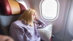 7 tips om te slapen als een roosje op het vliegtuig