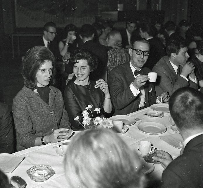 Reünie van het Catharina Lyceum in Eindhoven in januari 1963