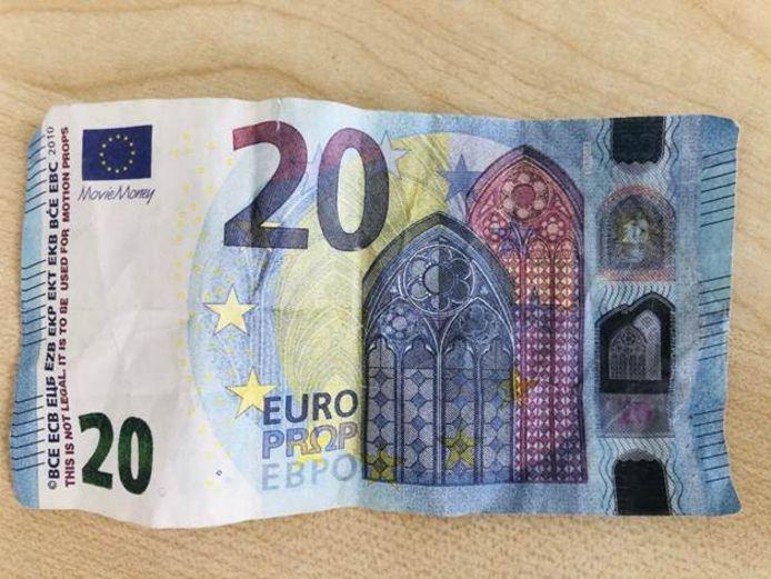 Het vals geld kan je herkennen aan het opschrijft 'Movie Money', hier in de linkerbovenhoek van het biljet.