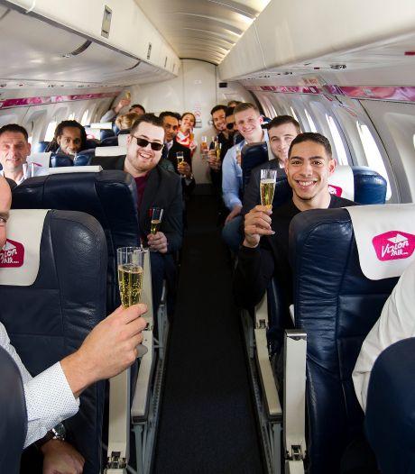 Dit ICT-bedrijf laat nieuwe medewerkers hun contract tekenen in vliegtuig
