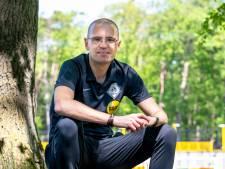 Assistent-scheidsrechter Sander van Roekel heeft de één-op-één-gesprekjes met mentorleerlingen gevoerd, nu wacht EK