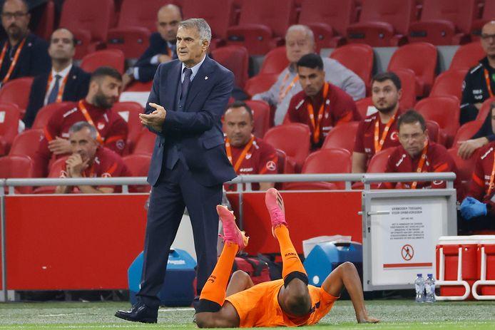 Senol Günes werd na het duel met Oranje ontslagen.
