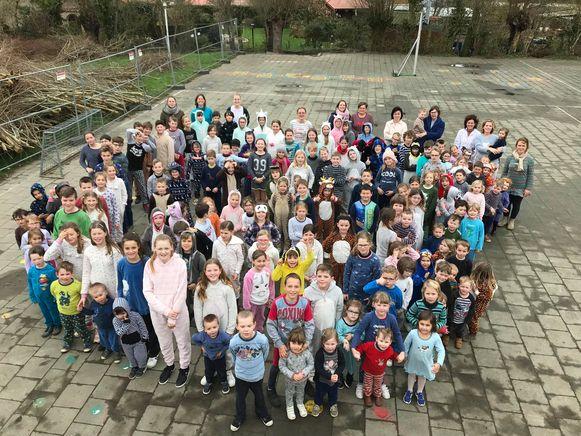 Bij directrice Joke Dejonghe in Klavertje 3 in Oostvleteren waren de leerlingen meer dan welkom in pyjama.