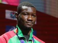 Zango verbetert tien jaar oud wereldrecord indoor hink-stap-springen
