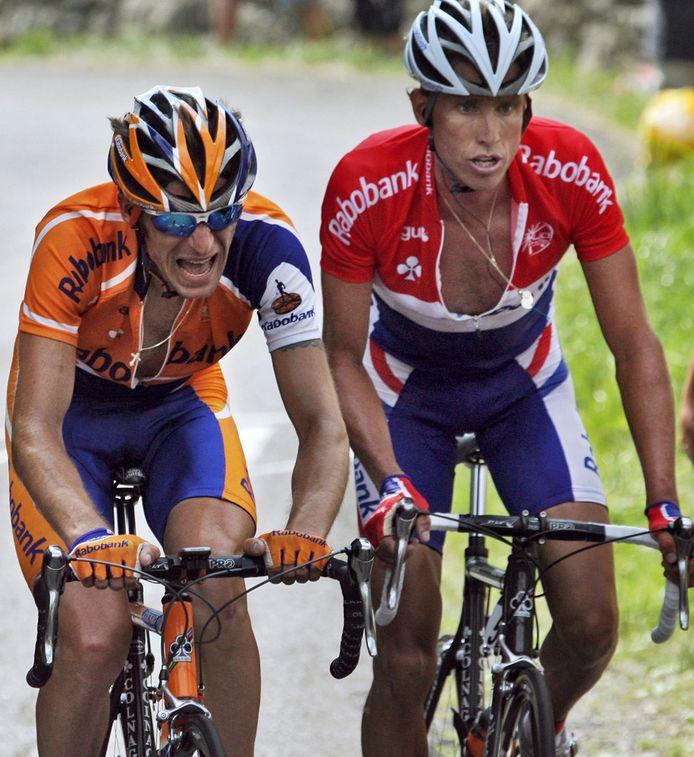 De Rus Denis Menchov, tussen 2005 en 2010 actief voor Rabo, naast Michael Boogerd in de Tour van 2006.