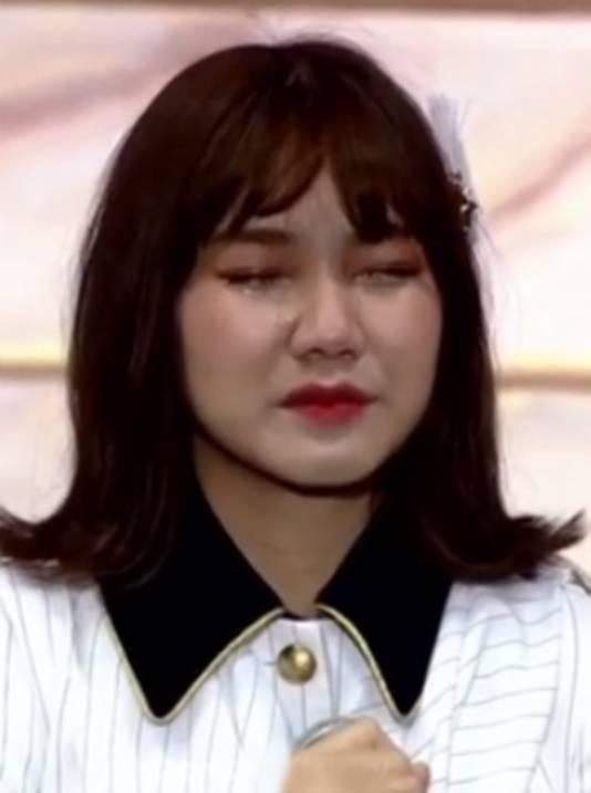 Pichayapa maakte in tranen haar excuses via Instagram.