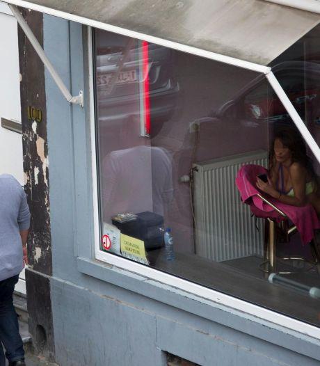 Bruxelles interdit la prostitution pour contenir l'épidémie