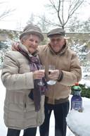 Mangomomentje! Een directeur van een Vlaams verpleeghuis liet glühwein aanrukken toen hij hoorde dat bewoner André dit altijd samen met zijn vrouw Christiane dronk wanneer het buiten sneeuwde.