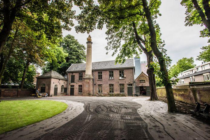 Het monumentale Duvelhok aan de St. Josephstraat in Tilburg is in nieuwe handen. Dokvast wil de sociale en maatschappelijke functie van de voormalige wollenstoffenfabriek in stand houden.