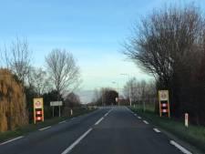 Bewoners Zanddijk Yerseke bezorgd om overlast van verkeersplateaus