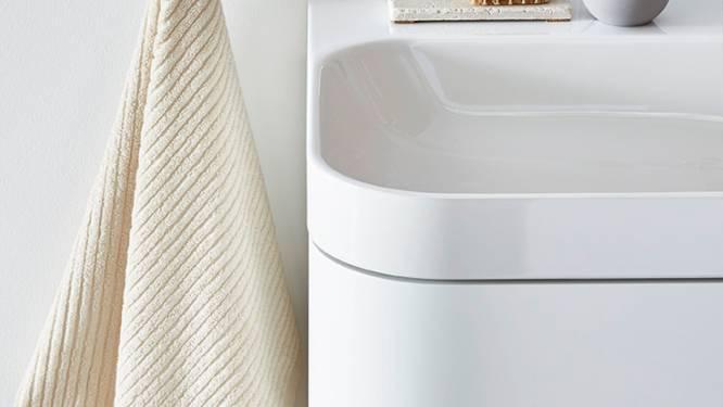 Technologie die krasjes vanzelf herstelt laat badkamermeubels er steeds als nieuw uitzien