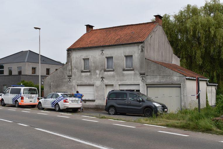 In deze woning trof de politie het levenloze lichaam van een man aan.