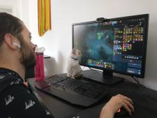 Alexander breekt lans voor gamers met een handicap: 'Wij kunnen net zo goed gamen als iedereen'